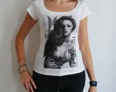 Rihanna : pretty t-shirt, celebrity picture