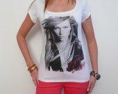 Jennifer Lopez: pretty t-shirt, celebrity picture