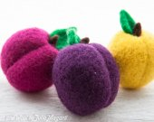 Play food plums. Decorative fruit. Educational toy. Waldorf. Kitchen decor. Needle felted. 100% wool. Handmade. Set of 3 psc.