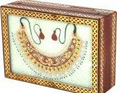 Marble jewellery box with closed kundan necklace HNM-HMRH-100028