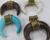 Handmade  Turquoise Peandant Double BONE Horn Pendant Tusk Bold Large Tibetan Tribal Bohemian Boho brown white Charm Pendant 2sets 2.5inch