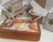 Bee soap bar - valentines day gift - gift for her - gift for wife - teen gift - gifts for mom - sister gift - gift for her - valentines gift