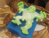 Mummy soap bar - Halloween treats - creepy soap - Halloween for kids - Halloween party ideas - monster Halloween soap - Halloween decor
