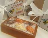 Bee soap bar - valentines day gift - gift for mom - sister gift - gift for her - girl gift - gift for her - valentines for wife - teen gift