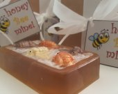 Bee soap bar - valentines day gift - gift for her - gift for girls  - gift for wife - teen gift - gifts for mom - sister gift