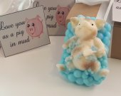 pig shower soap bar -  valentines day gift - gift for her - gift for boys - gift for wife - gifts for mom - gift for her - valentines gift