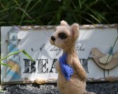 Needle felted cat. Beige cat with gift box. Miniature animals. Interiors toy. Gift for him. For fishman. Father's day gift. Small cat w/fish