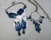 Necklace set of shiny blue beads, necklace, bracelet and earrings