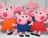 Peppa Pig family Gift Mummy pig Daddy pig George pig Felt pigs Felt train Felt Peppa train Peppa pig birthday Peppa pig toy George dinosaur