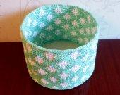 crocheted basket, white-green