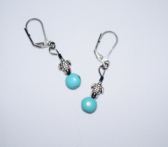 Handmade turtle earrings, turle charm, turquoise colored lentil and sparkling seed beads