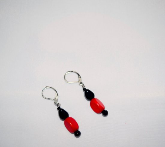 Handmade red & black earrings, vintage wood, onyx and seed beads