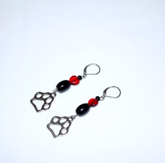 Handmade pawprint earring, pawprint charm, black glass  beads, red heart