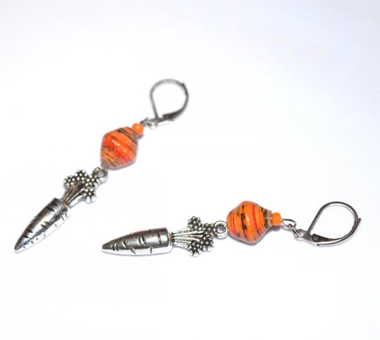 Handmade carrot earrings, orange rolled paper  and seed beads, carrot charm