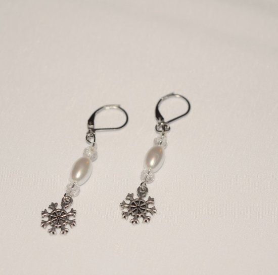 Handmade snowflake earrings, white pearl and clear crackle glass beads, snowflake charm