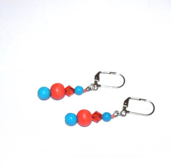 Handmade coral and blue earrings, coral crystal and wood, blue magnesite beads