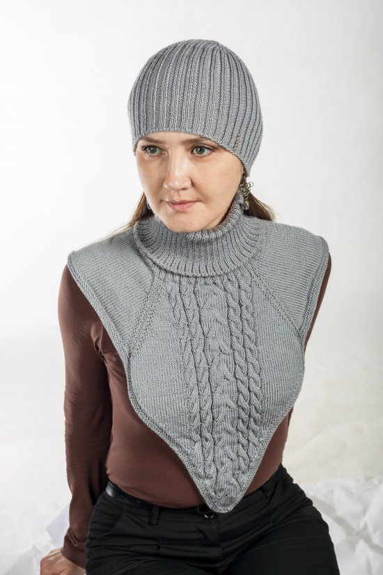 Gray knitted set, winter accessory