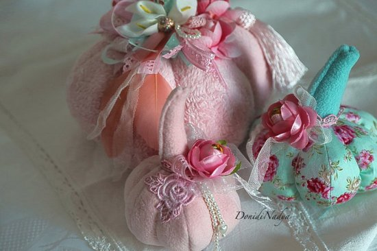 Shabby chic fabric pumpkins home decor. Pink Halloween ornaments. Turquoise and pink decorations.