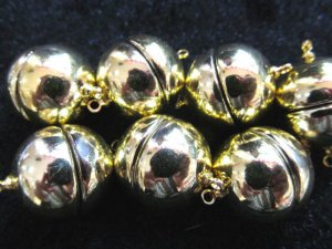 high quality 16mm 50pcs ball round margnetic clasp  light smooth gold  assortment  connectors  jewelry beads