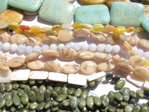 50%off--20strands Assorted gemstone gergous sunstone jade seastone amazonite chalcendony beads 6-25mm