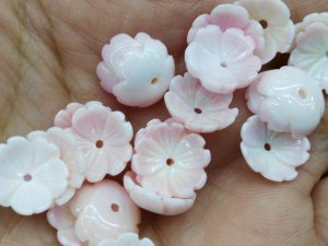 high quality Genuine Pink Queen Conch Shell ,Pearl Shell Rose  flower fluorial Cup Crown Hand Carved   loose beads 8 10 12mm 20pcs