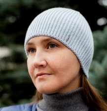 blue knitted hat, spring and autumn accessory