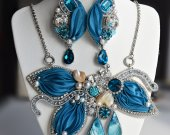 Blue set of necklaces and earrings handmade and work with natural pearls, mother of pearl and silk shibori ribbon