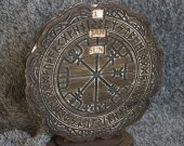 Viking Runic Compass - Vegvisir themed wooden perpetual calendar - any language - personalizable