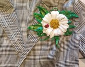 Fashion trends Genuine leather brooch Daisy Handmade jewelry A gift from your beloved