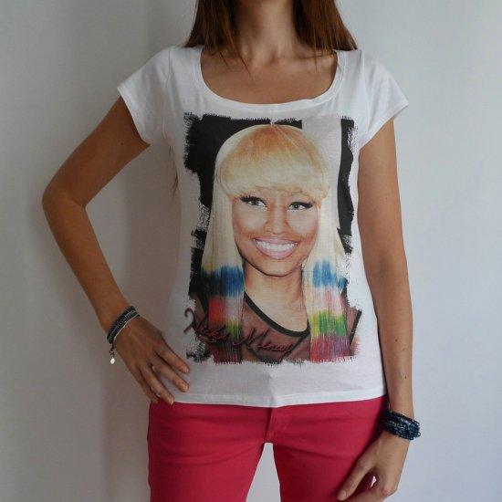 Nicki Minaj: pretty t-shirt, celebrity picture