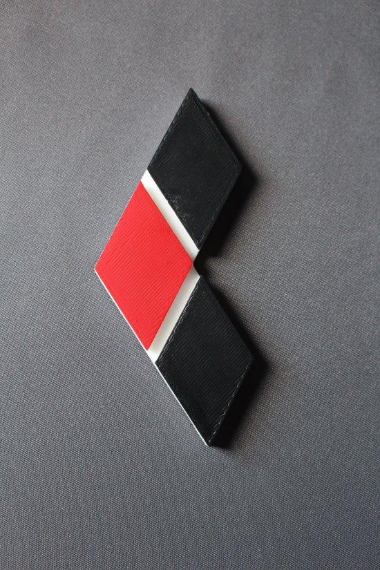 Harley Quinn Logo Emblem Magnet 3 Diamonds in 3D