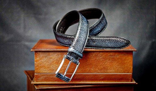 Anniversary Gift for Dad. Fish leather belt for men. Prestigious gift .Gray belt. Gift for boss. Wide belt. Gifts for boyfriend. Handmade.