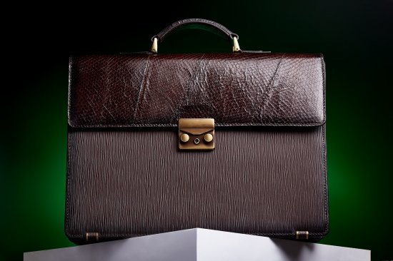 Luxury gift. Fish leather briefcase. Prestigious gift. Anniversary Gift for Dad. Gift for boss. Gift for boyfriend. Business briefcase.