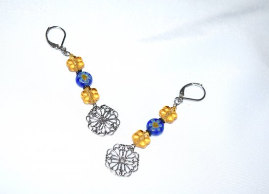 Handamde flower earrings with flower beads and filigree stamping drop