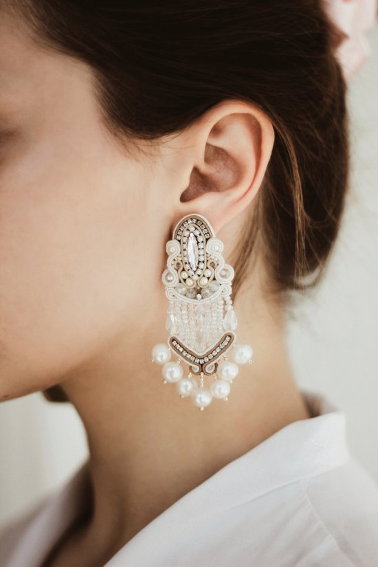Soutache earrings with crystal and pearl, wedding earrings, handmade, light earrings