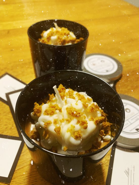 Caramel Latte 8oz 100% Soy Candle | Vegan Friendly | Black Jar with Silver Lid