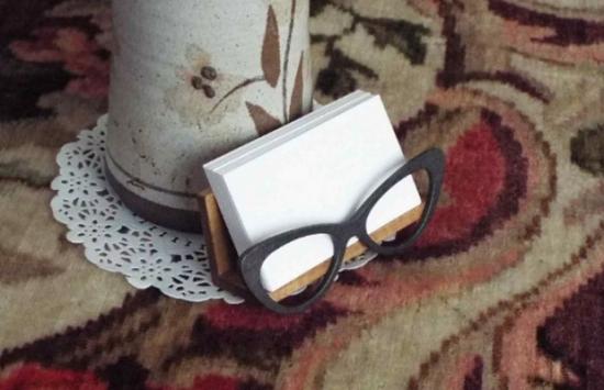 Cat Eyeglasses Style Wooden Desktop Business Card Holder
