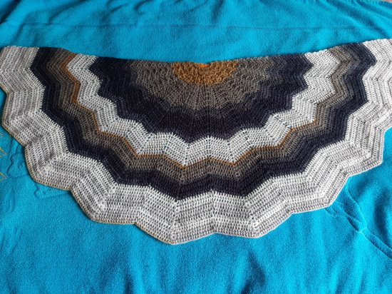Hand Knitted Scarf Bactus new