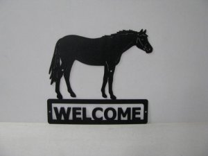 Thoroughbred 007 Standing Welcome Sign Silhouette