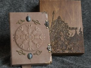 """Viking themed handmade leather notebook """"Scald™s Saga"""" in wooden box"""