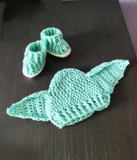 Set of hats and baby shoes , Elf ears newborn boy photography props