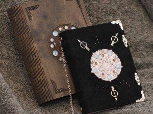 Yennifer™s spellbook - Handmade suede purple paper notebook in wooden box