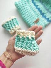 Crochet newborn baby merinos blue booties , Organic baby booties , Soft sole baby shoes