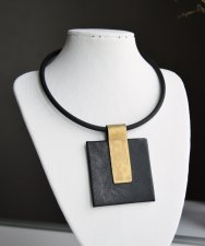 Leather pendant with rubber cord